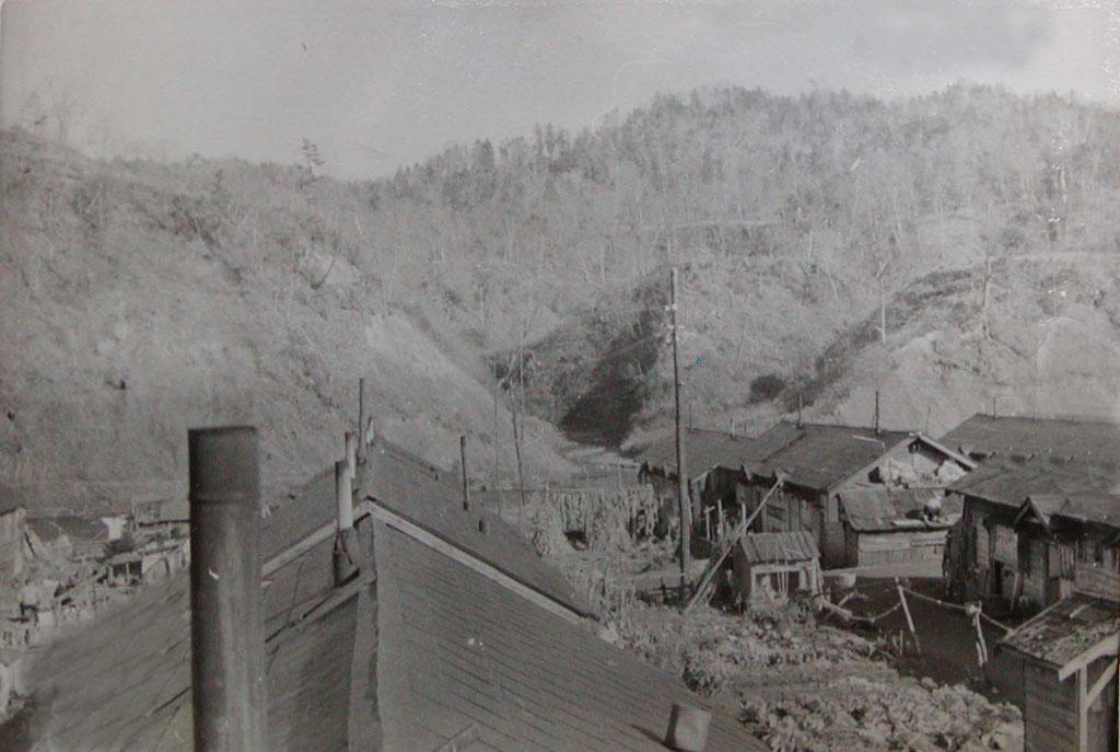 代々木町の高台から見る磯次郎の沢