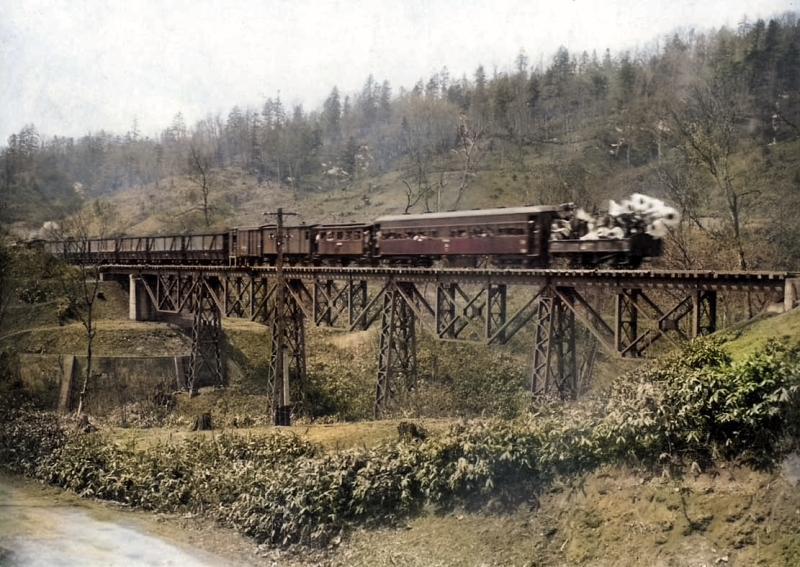 昭和18年 宝沢を行く列車