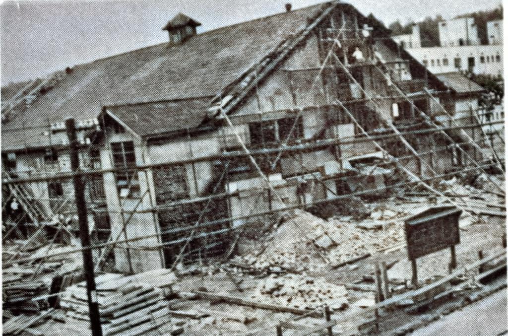 昭和32年 改装中の協和会館