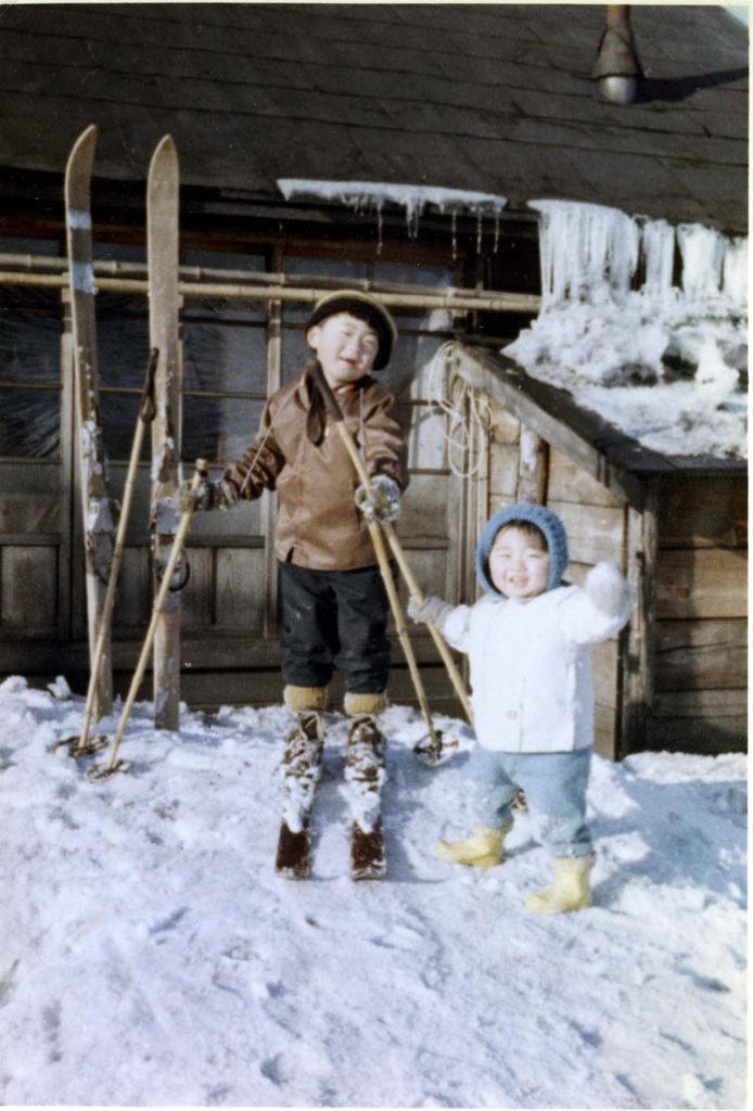 炭住脇のスキー