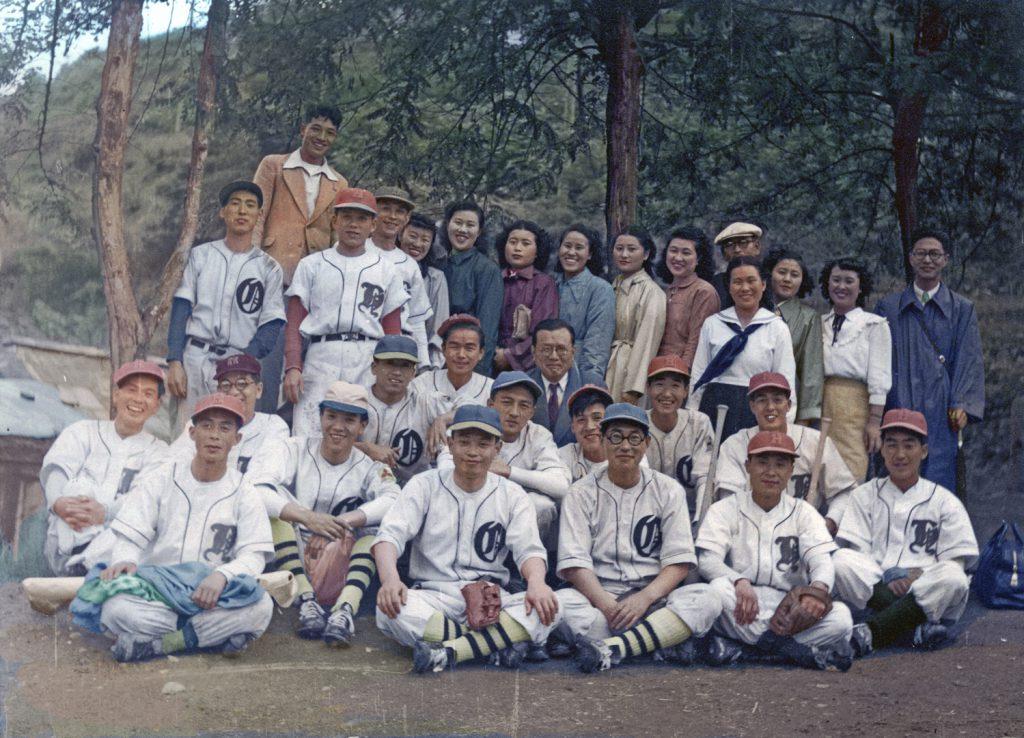 昭和27年 炭砿病院職員野球部