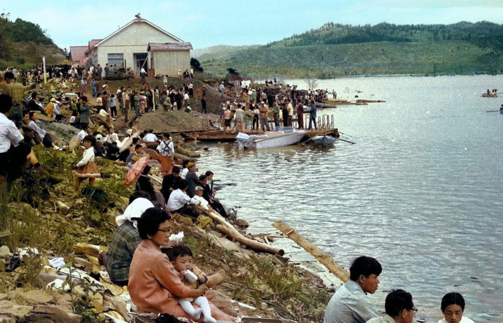 シューパロ湖畔・職場対抗ボート大会